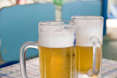 アルコールが原因で胃腸炎に!注意点と対策