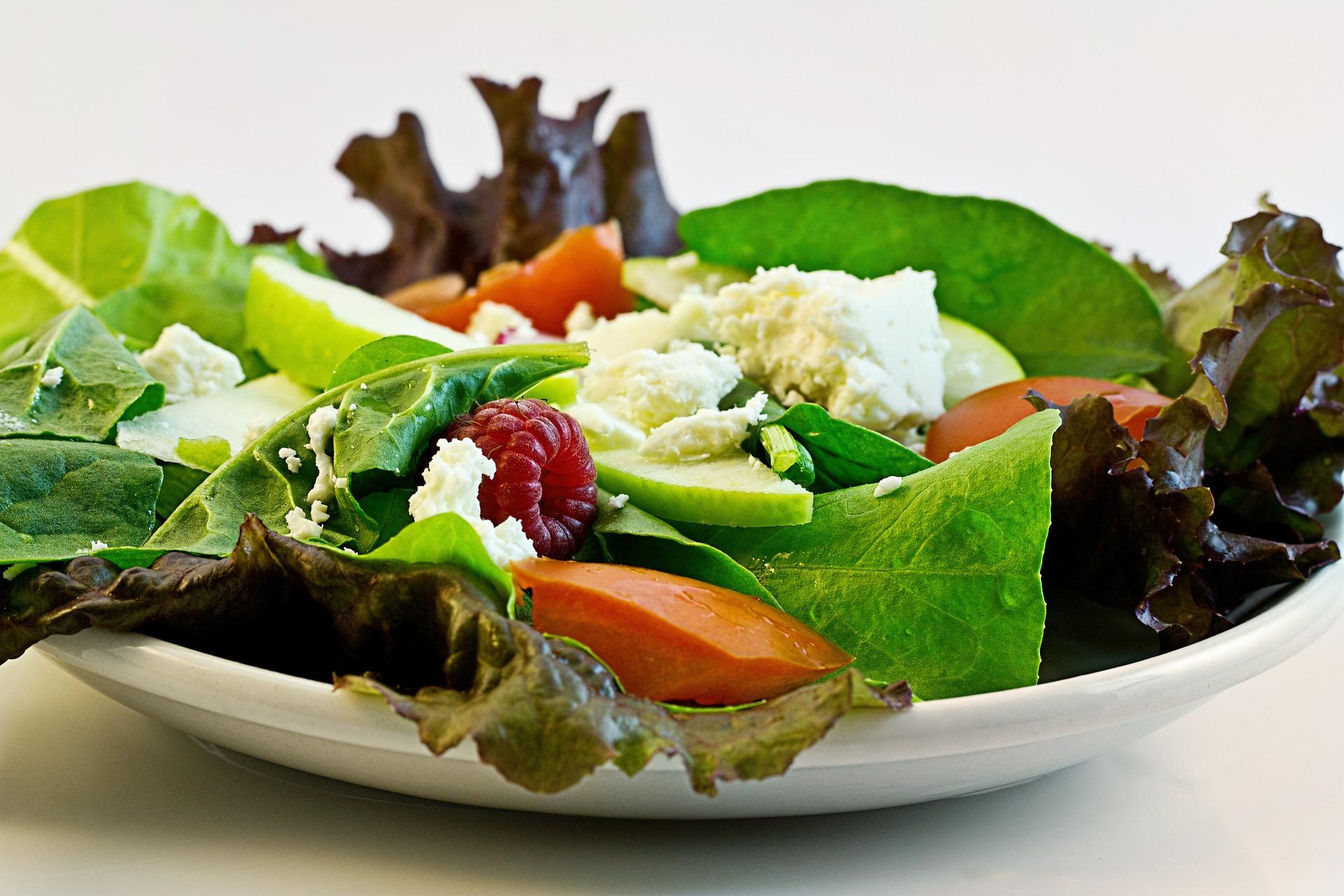 女性の筋トレダイエットの食事メニューはマゴワヤサシイに注目!
