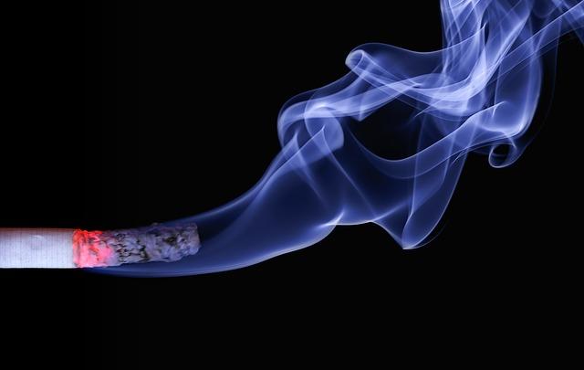 タバコを吸うと喉がイガイガする原因と対策!